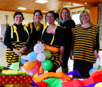 Das Vorstandsteam in Bienenkostüm