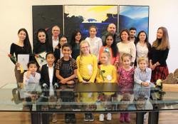 Gruppenfoto aller Absolventen des Sprachkurses