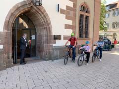 Familie Fröhlich und Oberbürgermeister Hubert Schnurr