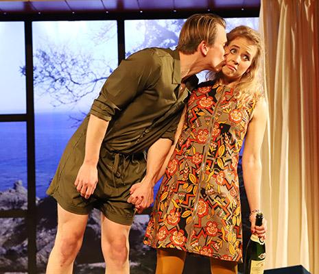Tartuffe: Valère küsst Mariane: mit Markus Penne und Maren Kraus