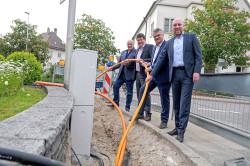 Treiben den Breitbandausbau voran: Rüdiger Höche (von links), Reiner Liebich, Hubert Schnurr und Weitenungs Ortsvorsteher Daniel Fritz