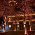Bühl im Advent - beleuchtetes Rathaus 1 und Bäume