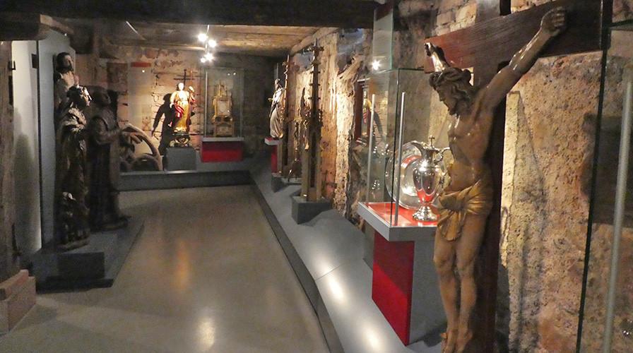 Schaukästen im Stadtmuseum