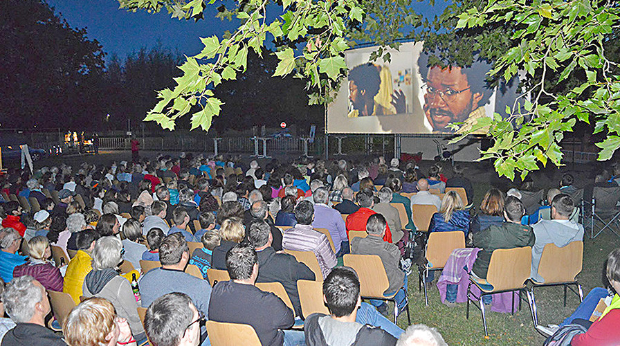 Open-Air-Kino in Weitenung