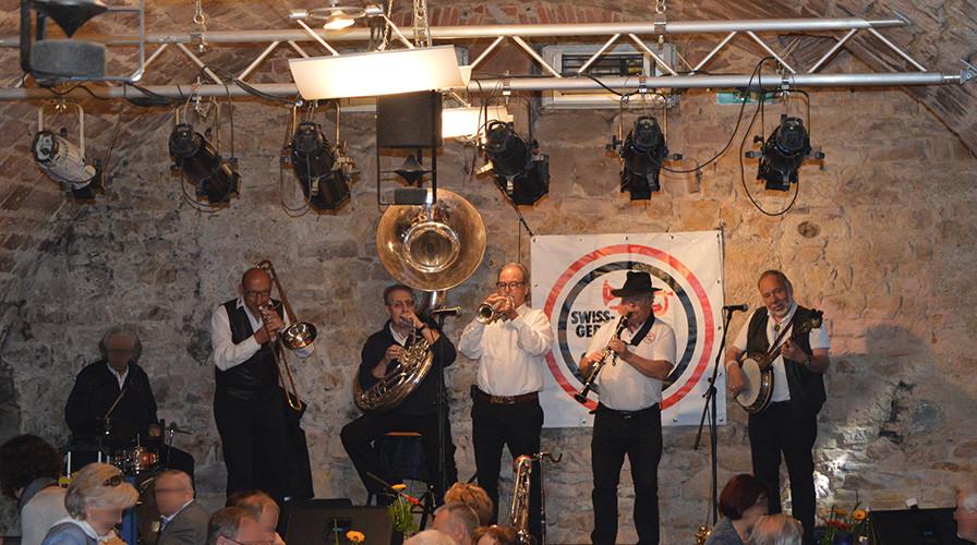 Auftritt einer Band im Schütte-Keller