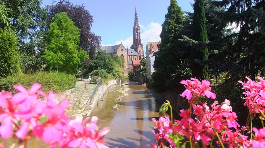 Sicht auf Kirche und Bühlot in Bühl