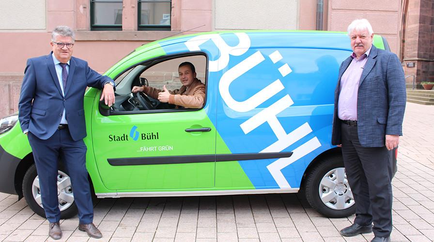 E-Auto der Stadt Bühl vor dem Rathaus 1