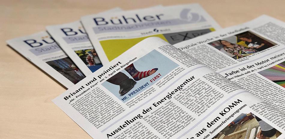 """Mehrere Ausgaben des amtlichen Mitteilungsblatts """"Bühler Stadtnachrichten"""""""