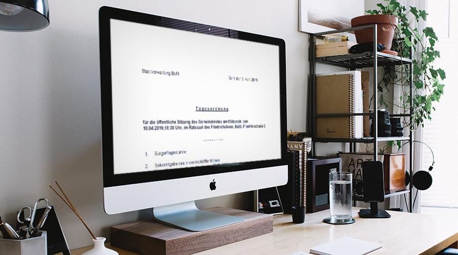 Tagesordnung der Gemeinderatssitzung auf einem Computerbildschirm